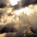 Grandezze e unità di misura del radon - Immagine di un cielo nuvoloso sede di fenomeni di trasporto atmosferico